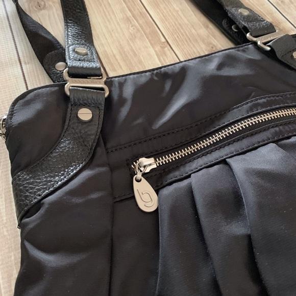 Baggallini Handbags - Baggallini Black Nylon Shoulder Bag NWOT